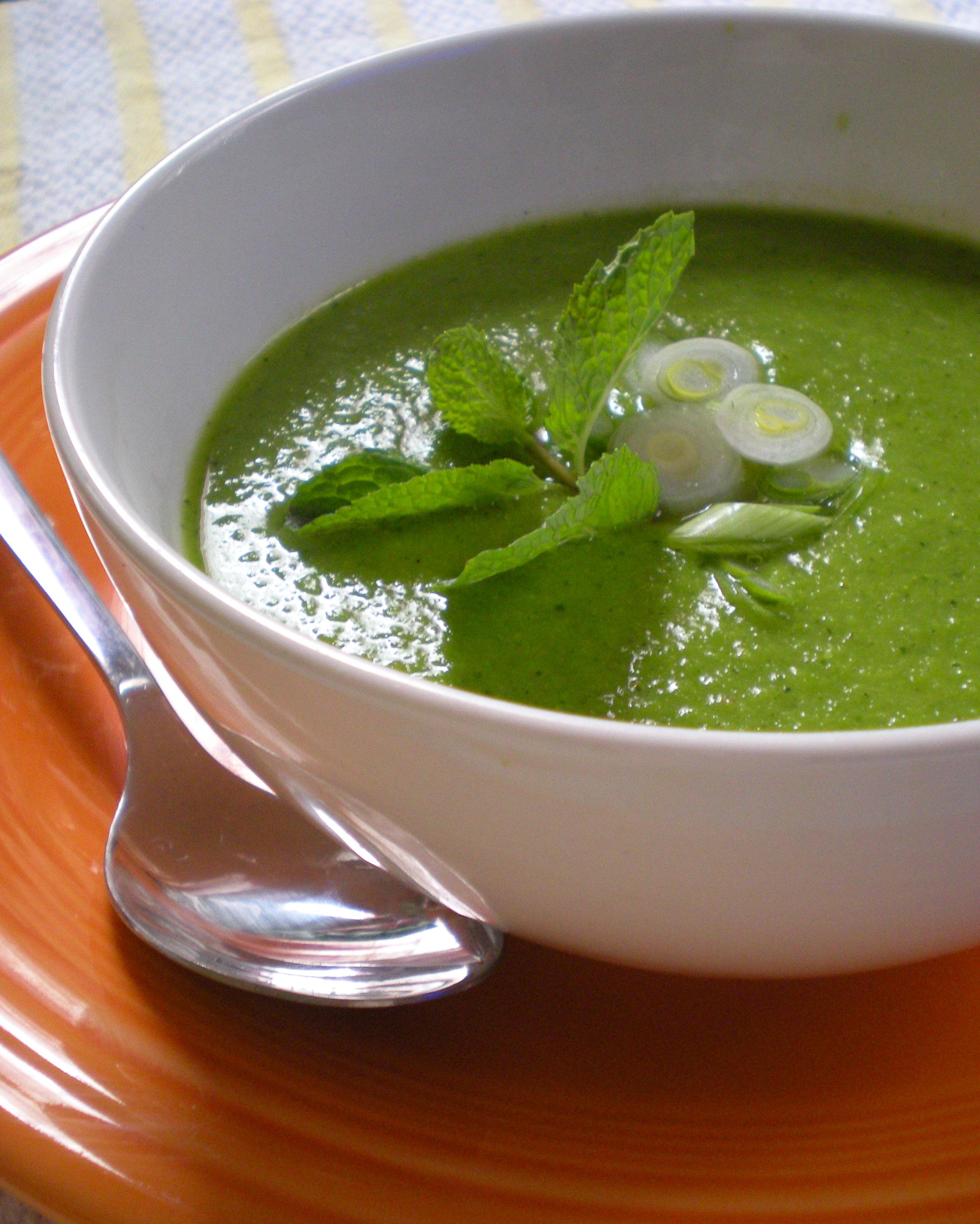 Supa de mazare cu menta