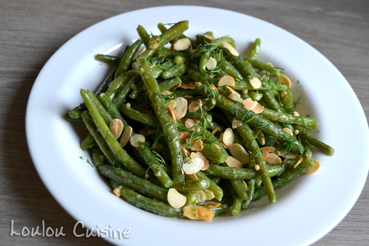 Salata de fasole verde cu usturoi copt