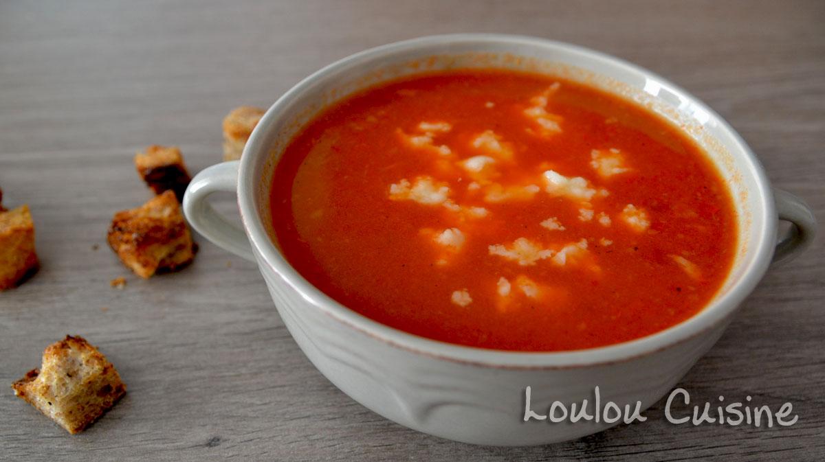 Supa de ardei copti cu branza de burduf