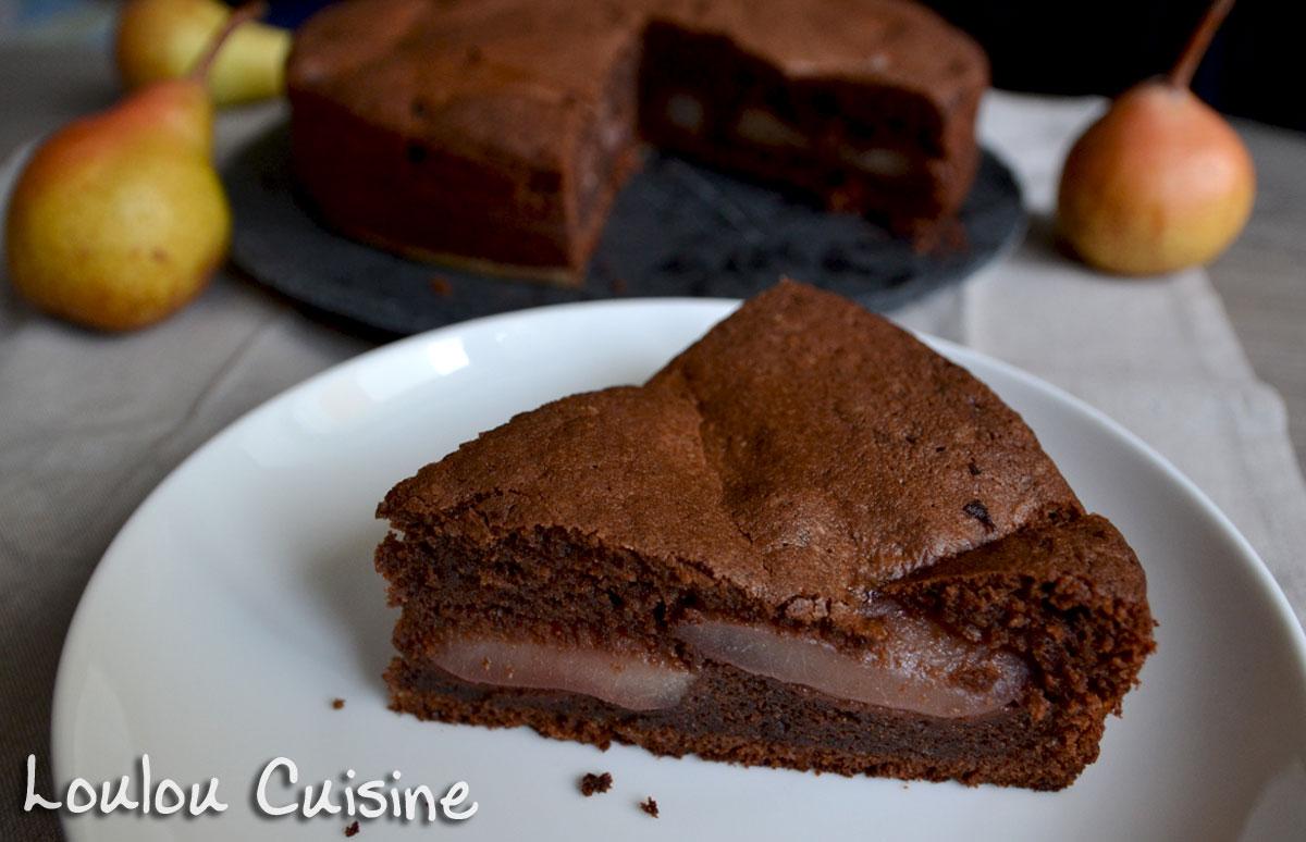 Prajitura de ciocolata cu pere si vin rosu