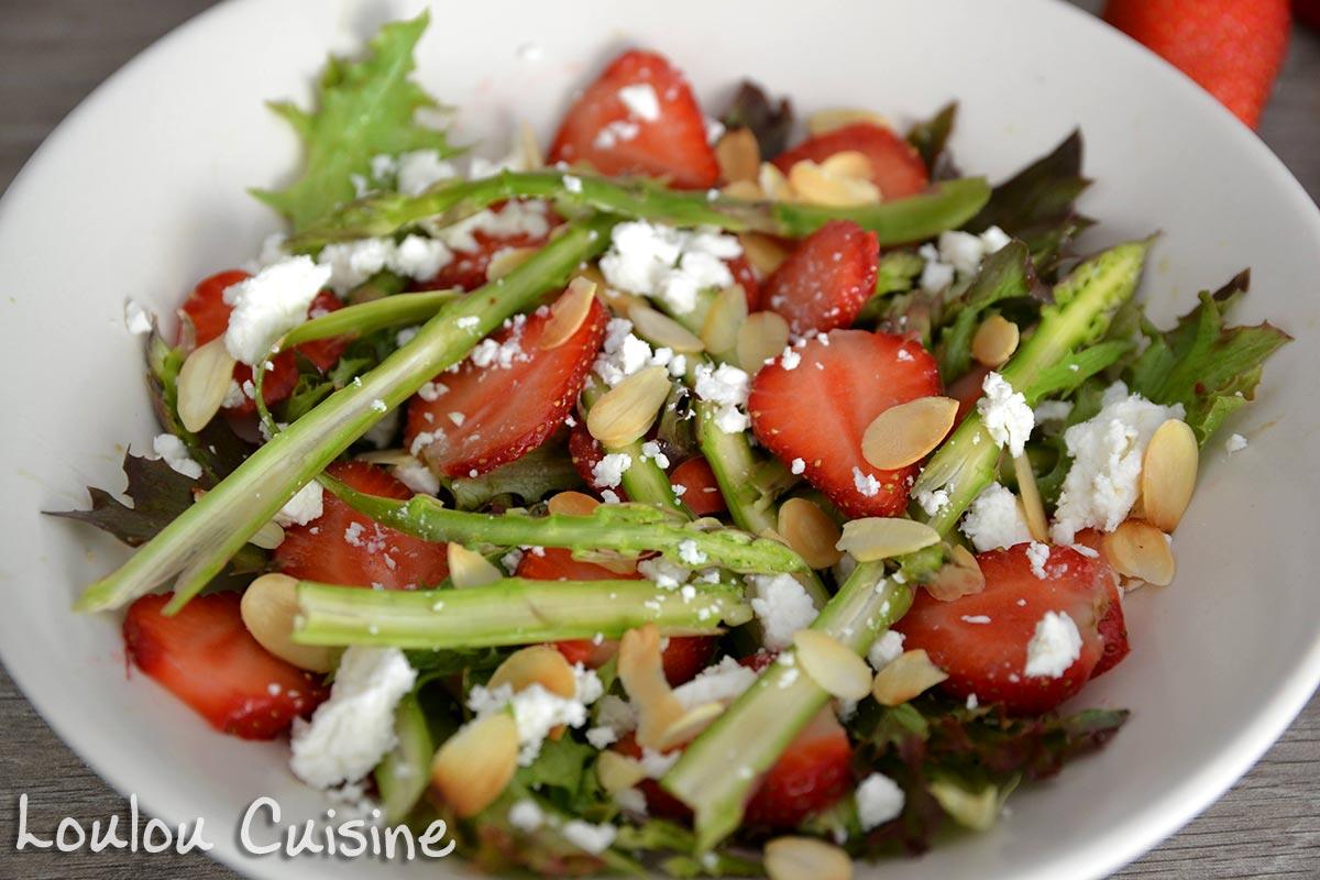 Salata cu sparanghel si capsuni