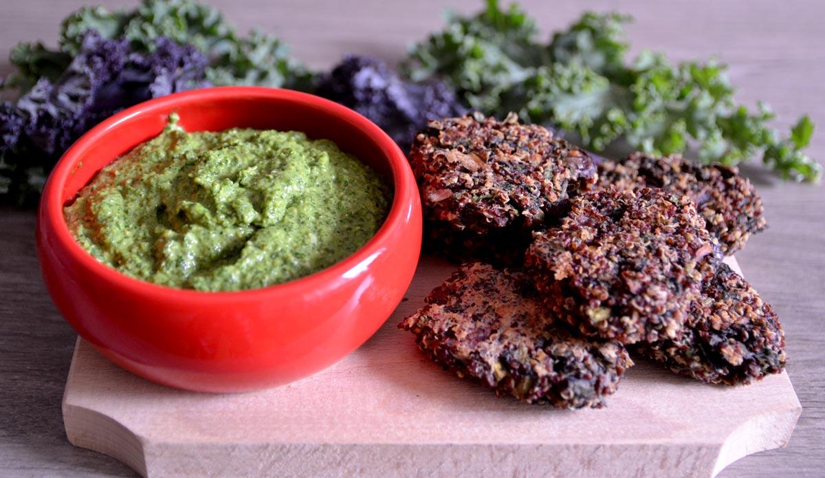 Chiftelute din quinoa si kale cu pesto din kale