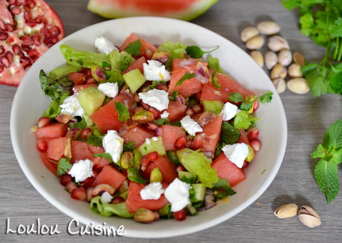 Salata cu pepene, rodie si branza de capra